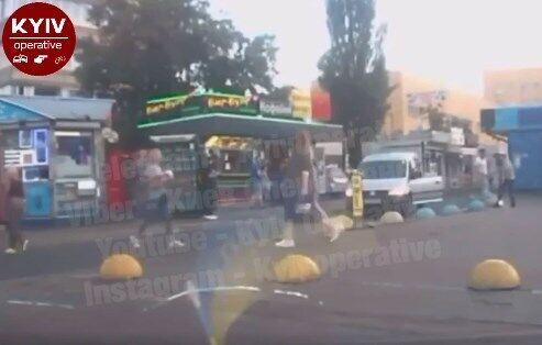 Водитель избил пешехода в Киеве.