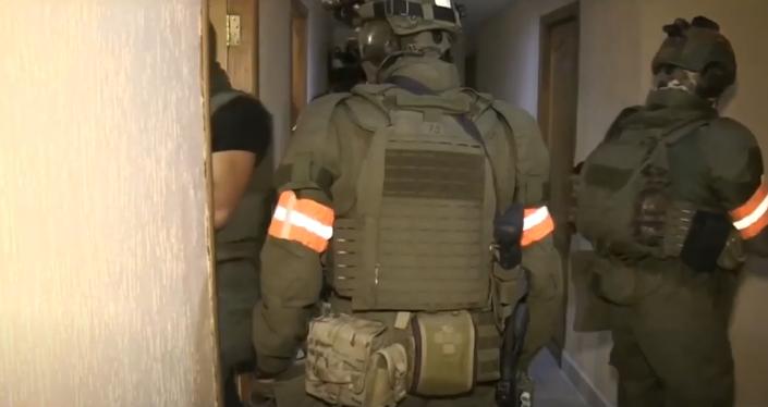 Задержание российских боевиков в отеле