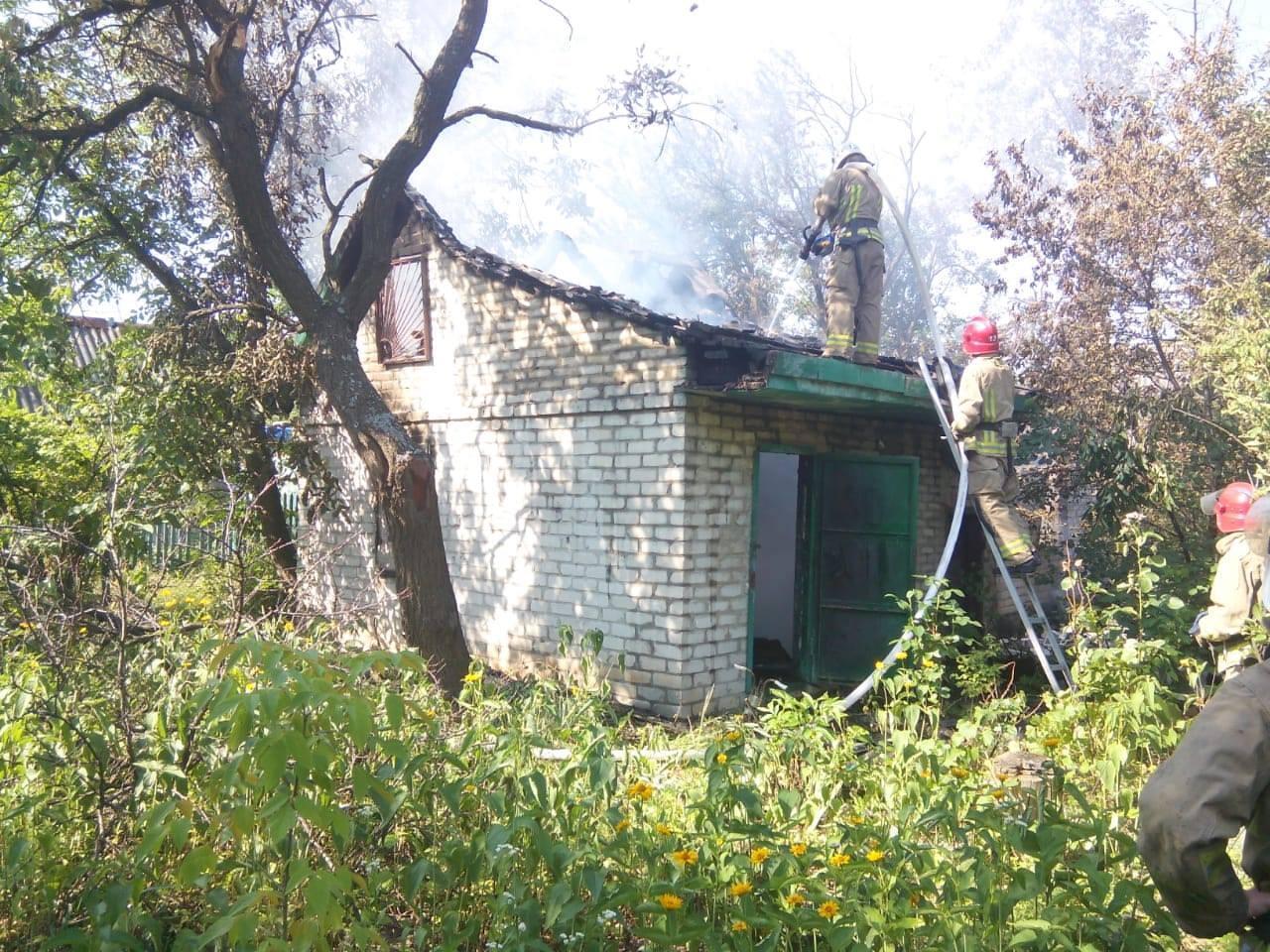 """""""ДНР"""" зруйнували два будинки в Авдіївці. Фото - Facebook штабу ООС"""