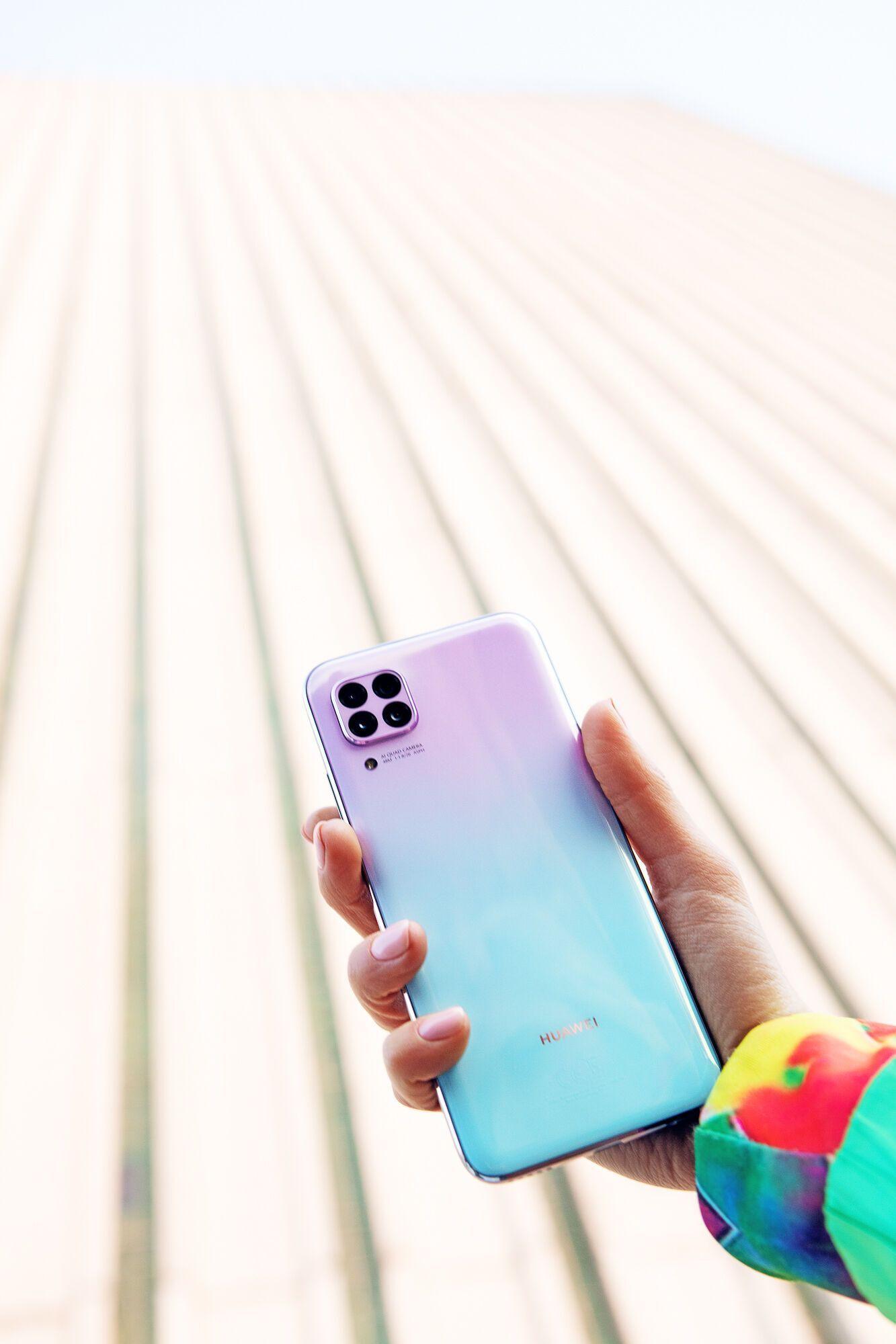 Huawei P40 lite: смартфон, созданный для фото и развлечений