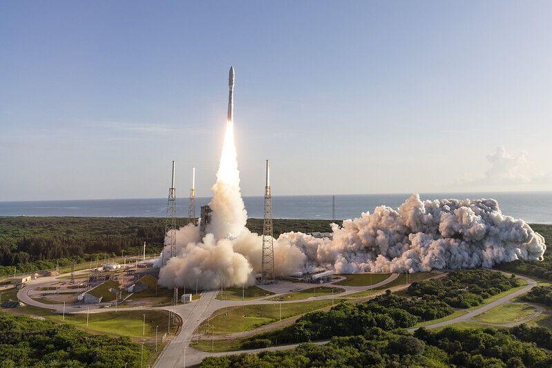 Запуск ракеты Atlas V