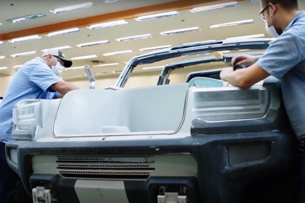 GM поделился новыми подробностями об электрическом Hummer. Фото: