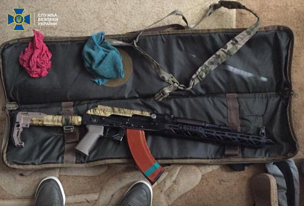 В Киеве поймали организатора группировки по торговле оружием