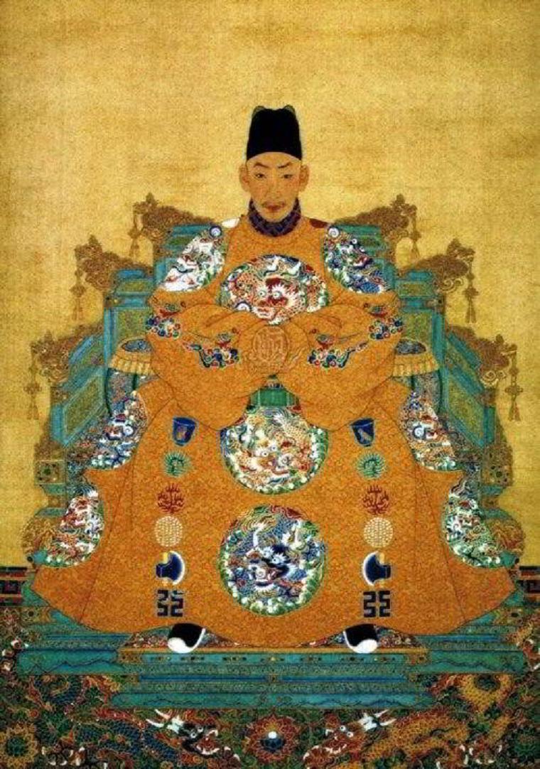 Император Чжэнде имел любовников среди евнухов, около сотни из которых он усыновил