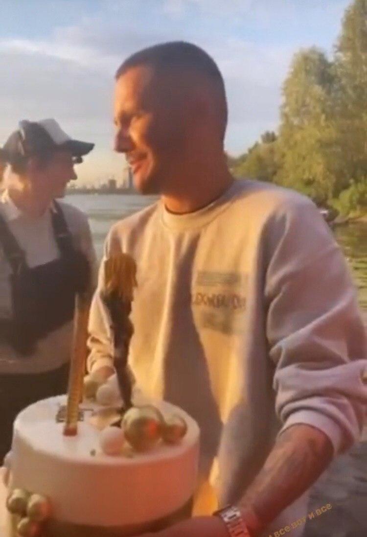 Відео зі зйомок кліпу