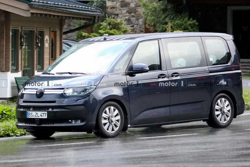 VW Transporter T7 проходить випробування. фото:
