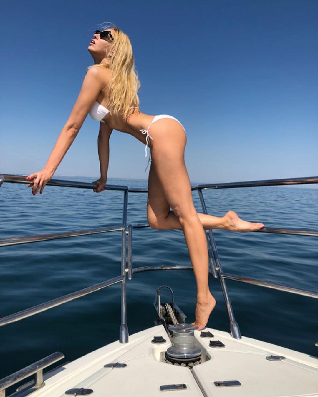Соблазнительная Оля Полякова (Instagram Оли Поляковой)