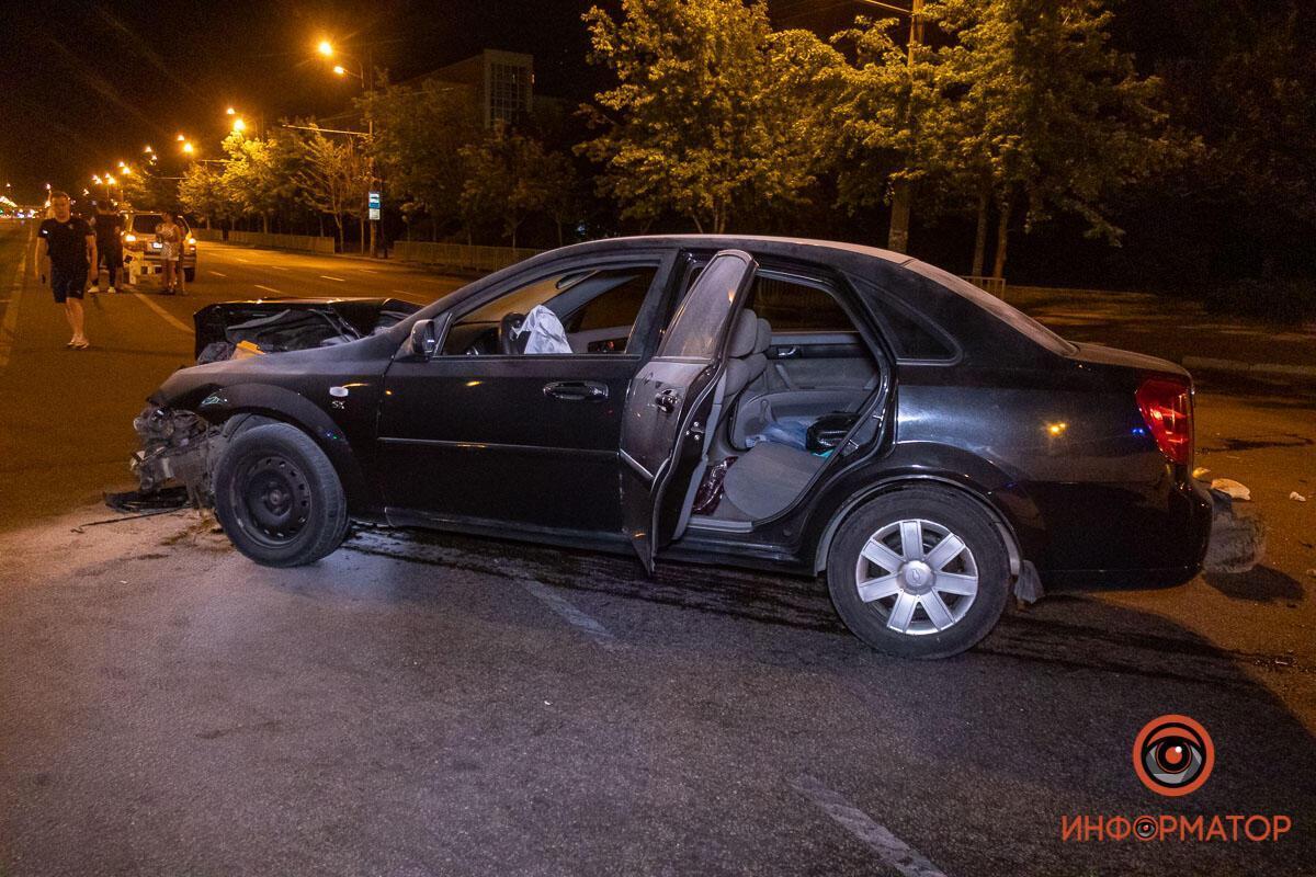На перетині Слобожанського проспекту і вулиці Байкальської трапилася аварія