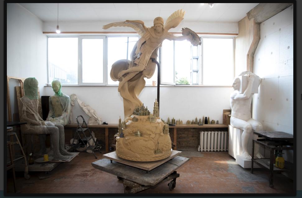 Виготовлення скульптури Архистратига Михаїла