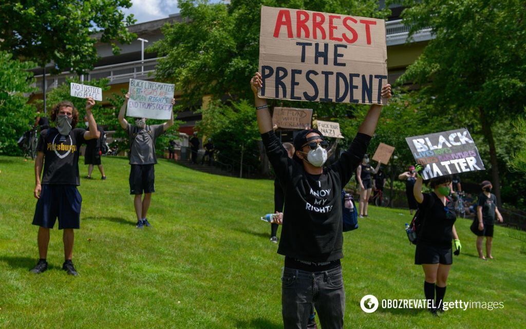 Не обошлось и без протестов
