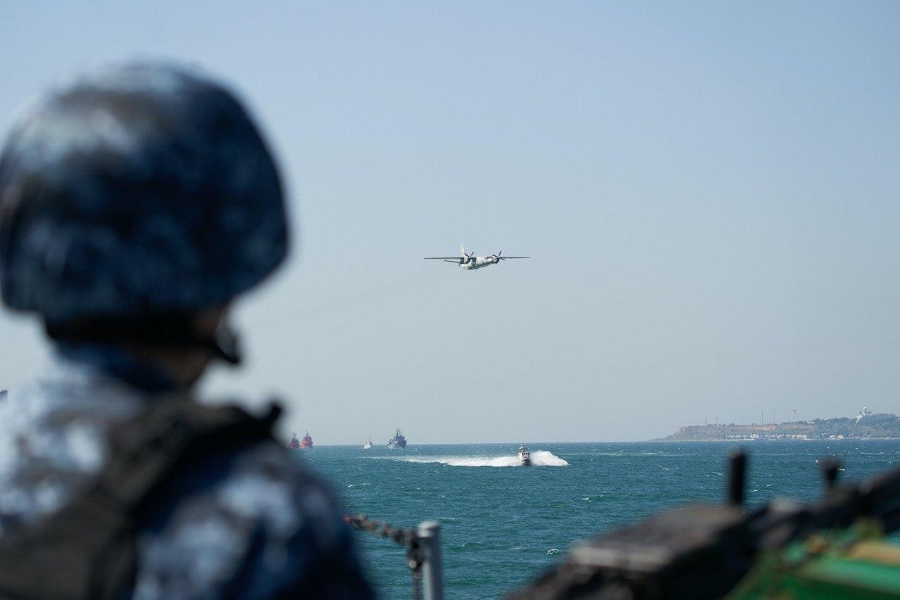 Торжественный пролет морской авиации