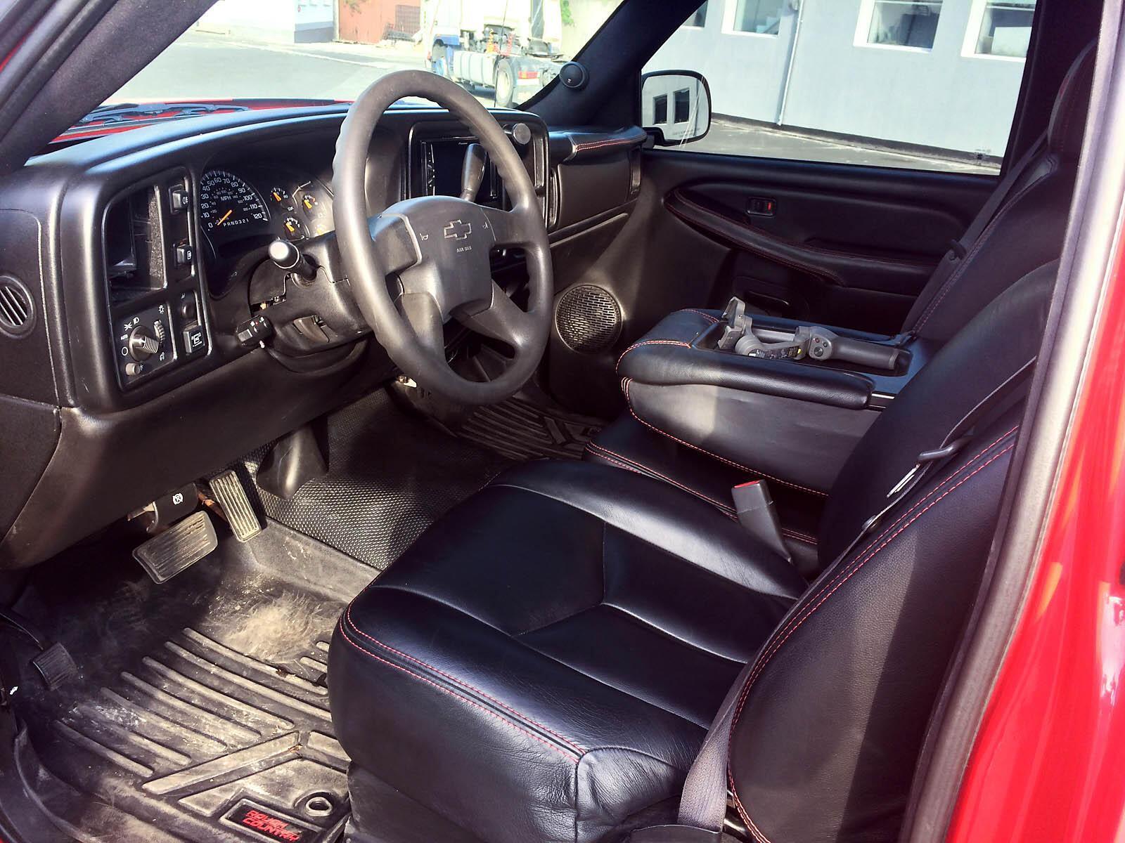 Chevrolet Silverado, на котором ездил герой Зеленского;