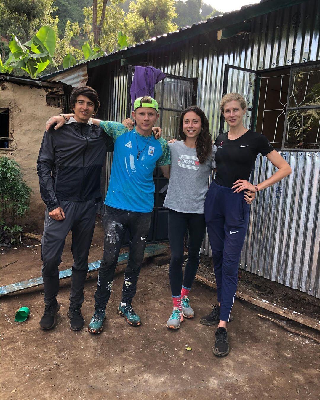 Сборная Украины за 10 дней построила дом в Кении для многодетной семьи
