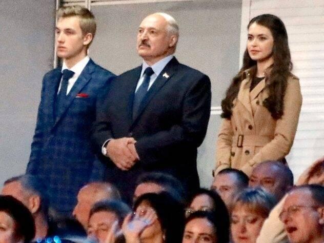 Лукашенко з сином Миколою і Марією Василевич