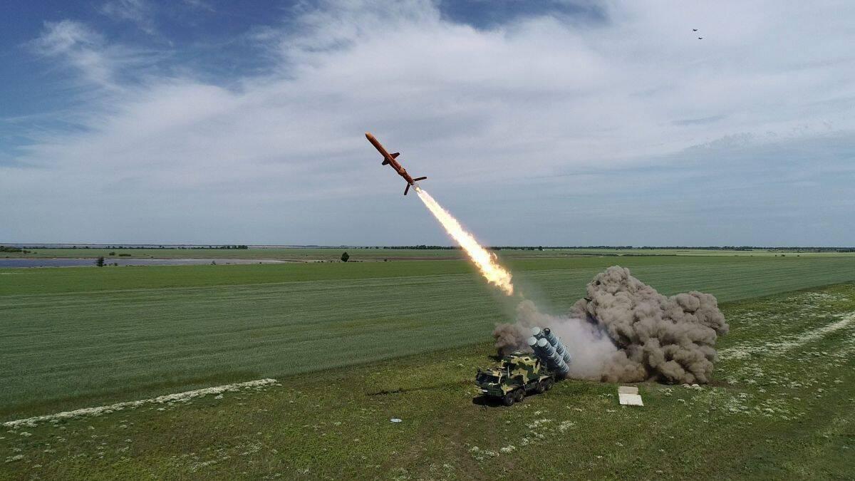 """Противокорабельная крылатая ракета Р-360 """"Нептун"""" на испытаниях"""