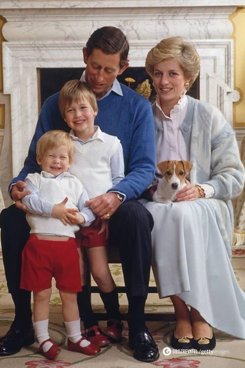 Принцесса Диана в трендовой рубашке с семьей