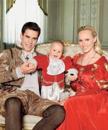 Дмитро Дюжев з дружиною і старшим сином Іваном