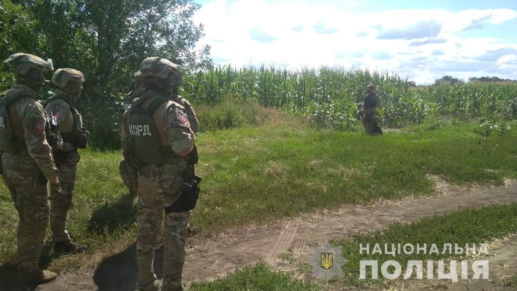 Подозреваемого искали сотни полицейских