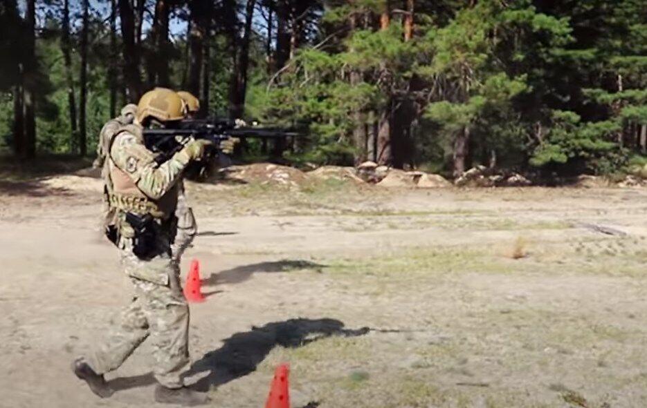 Спецназ погранслужбы получил новые винтовки.