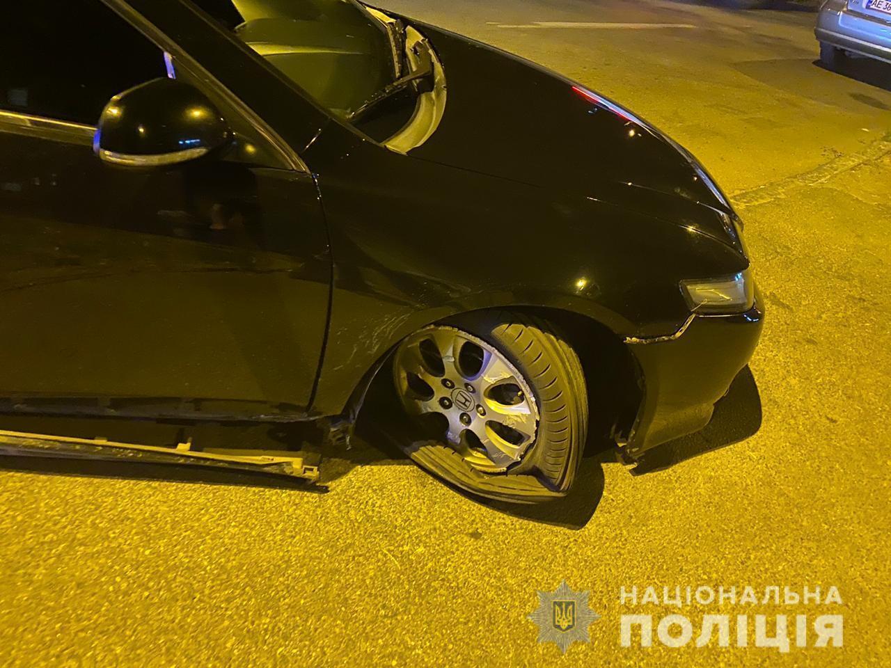 У Дніпрі автомийник на викраденому авто потрапив у ДТП і травмував дитину
