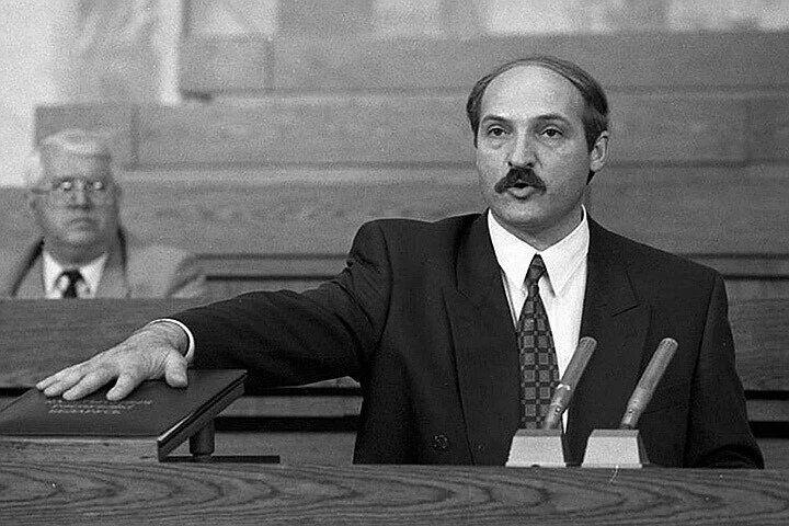 Александр Лукашенко во время своей предвыборной кампании, 90-е годы