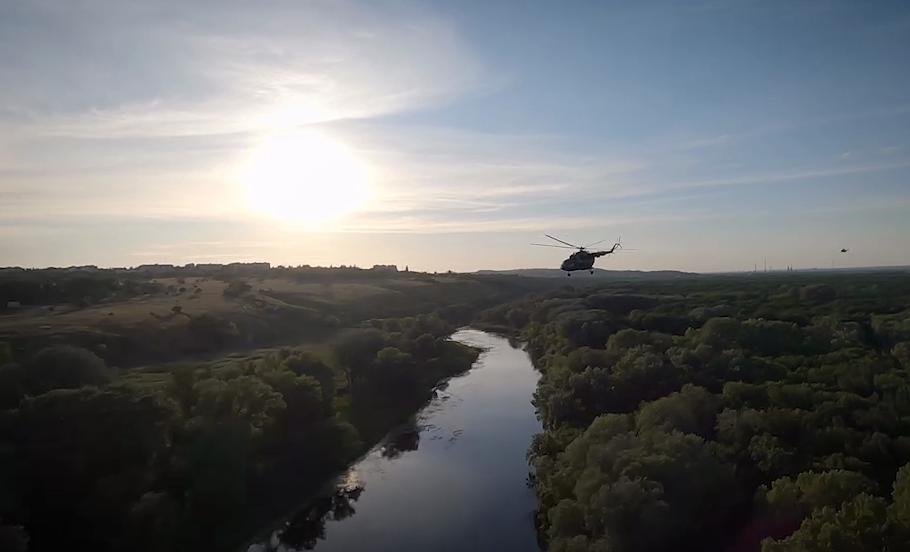 Зеленский проехался линией разграничения на Донбассе