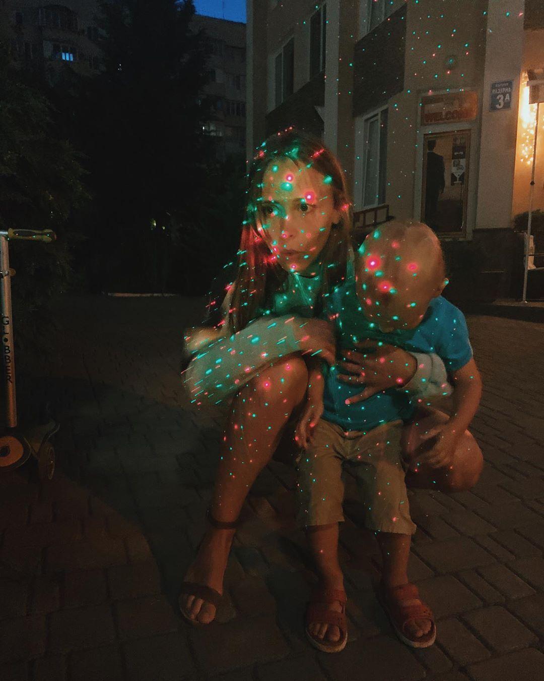 Анна Кошмал с сыном (Instagram Анны Кошмал)