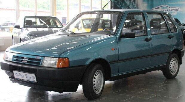 24-летний Fiat Uno с пробегом 900 км за 5900 евро.