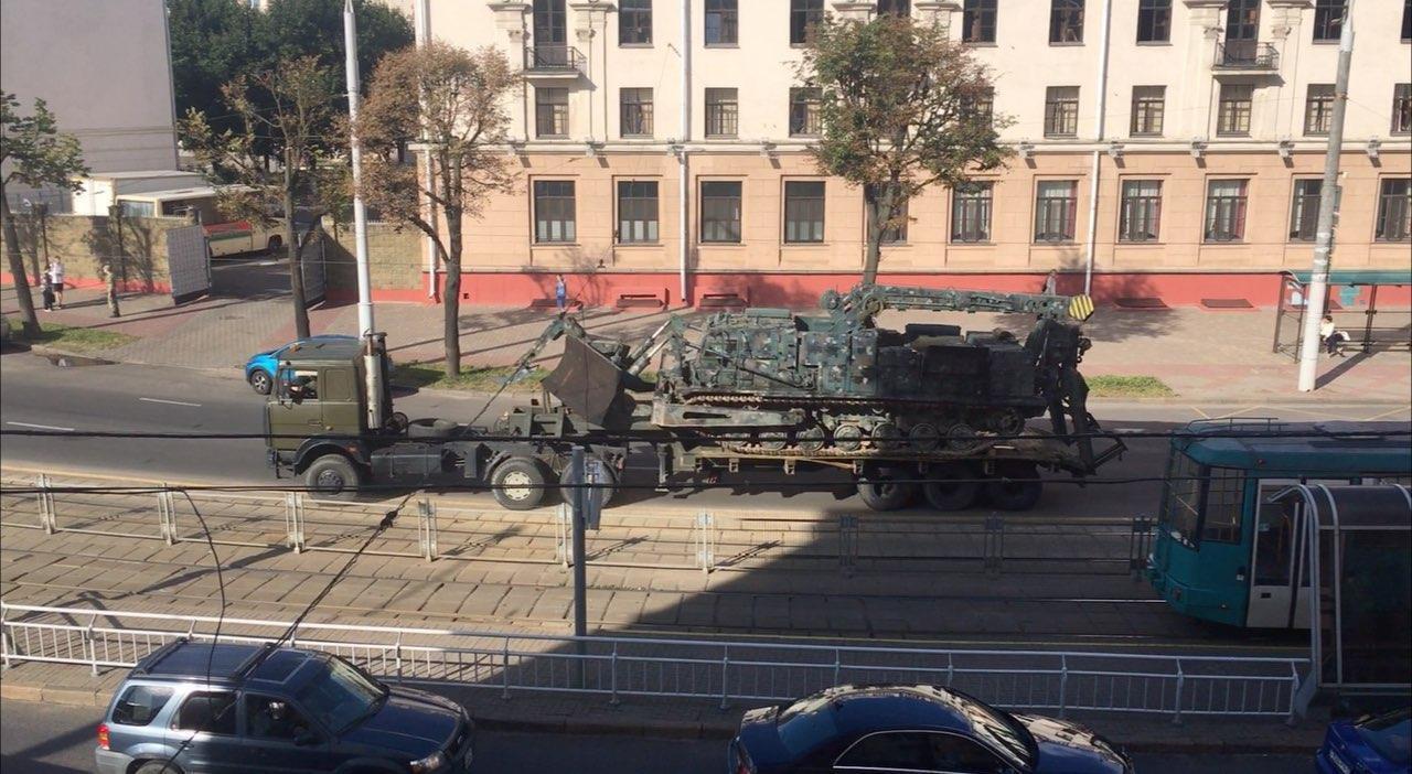 У Мінську помітили військову техніку.
