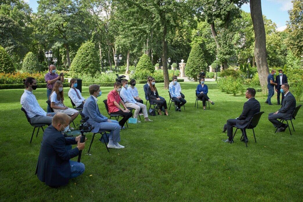 Володимир Зеленський на зустрічі з кращими випускниками України