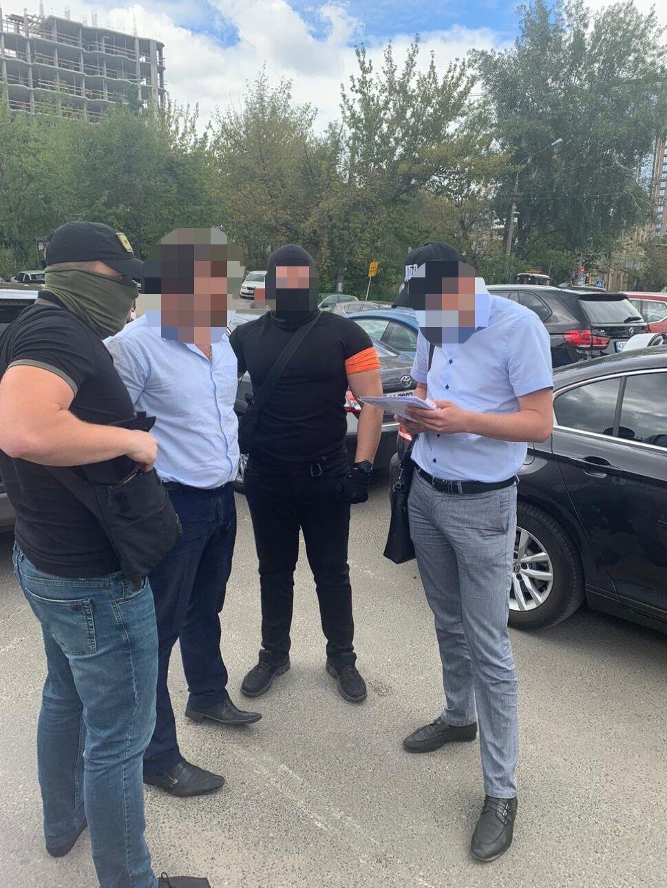 Старшого слідчого ГУ Нацполіції у Київській області затримали на одержанні хабаря