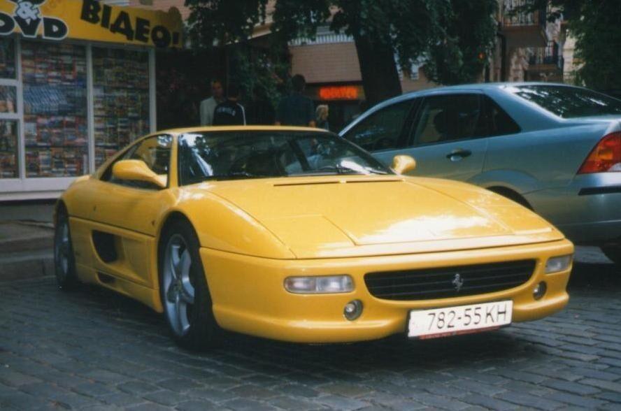 Ferrari F355.