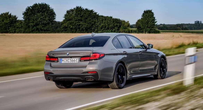 BMW 545e xDrive способна потреблять около 2 л/100 км.