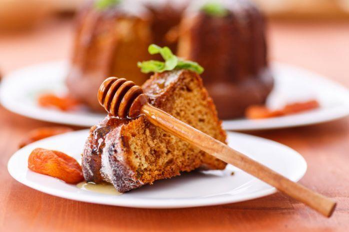 Медовий кекс із курагою