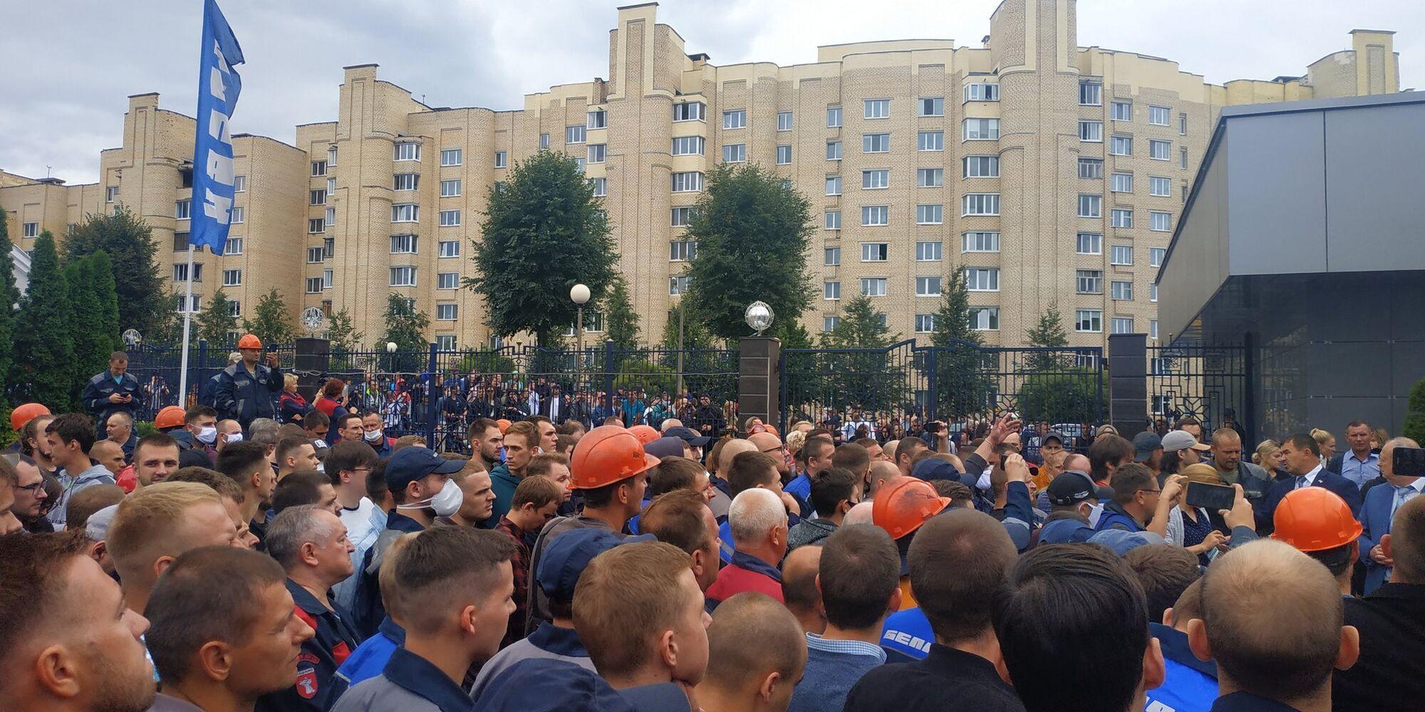Працівники БілАЗа влаштували страйк