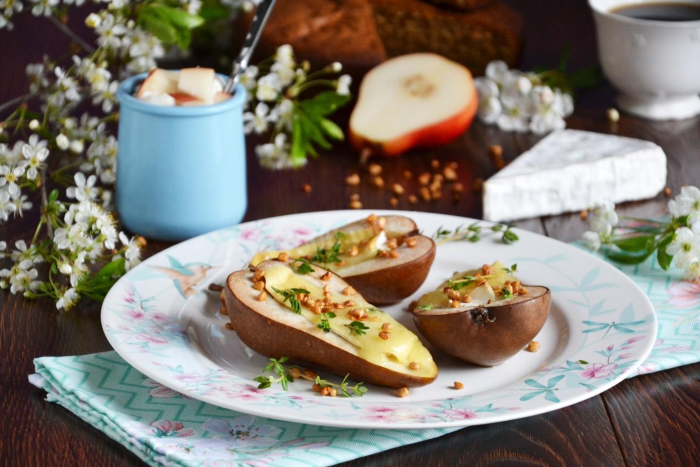 Запечені груші з горіхами і медом
