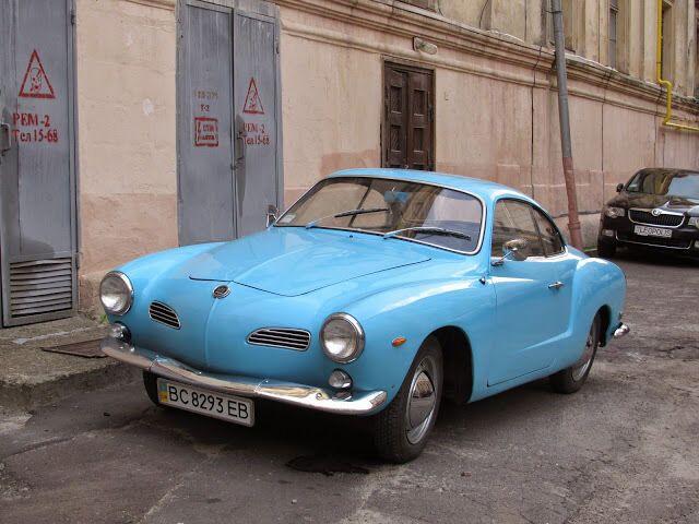 Volkswagen Karmann-Ghia.
