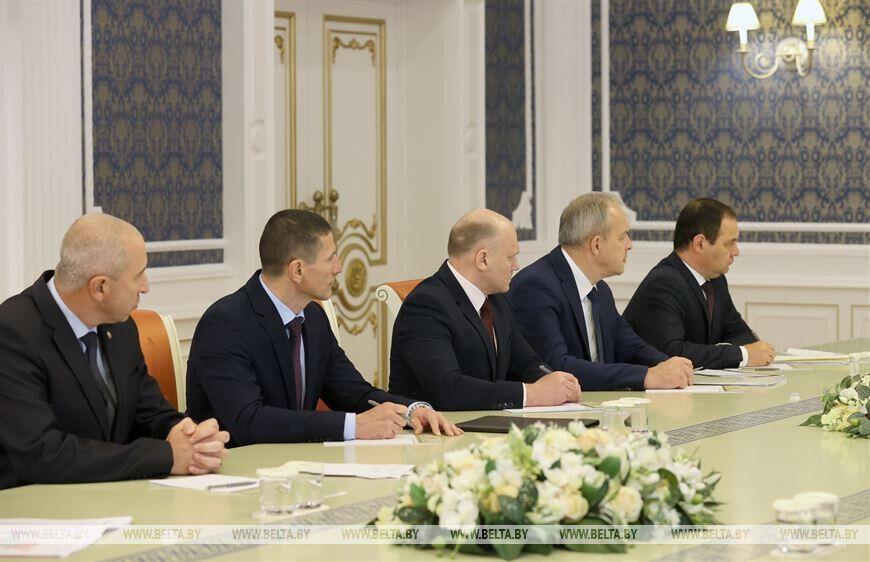 Заседание состоялось из-за ситуации с протестами.