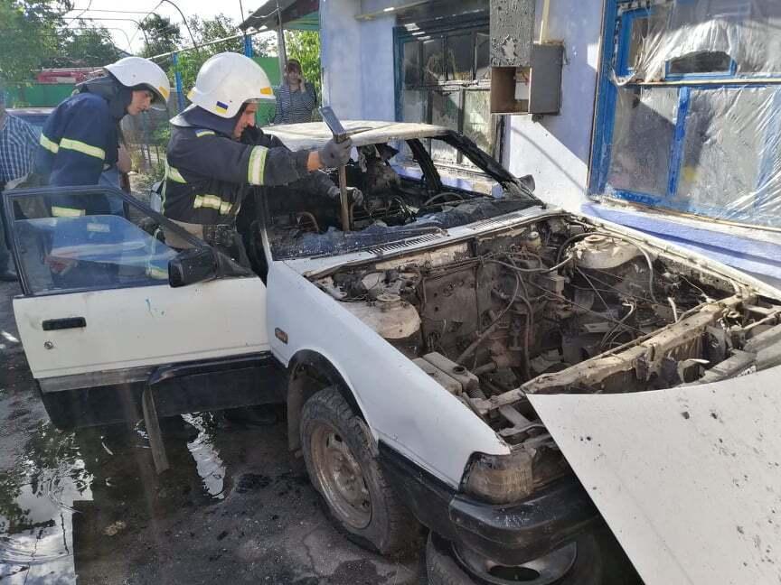 Трирічна дівчинка спалила Mazda, граючи з сірниками в авто