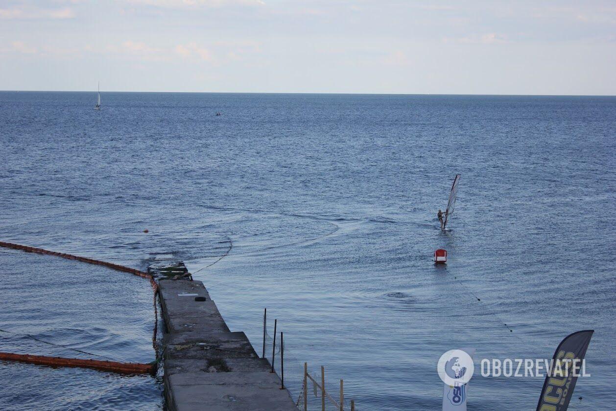 Показники рівня забруднення моря відпочивальникам тут просто не повідомляють