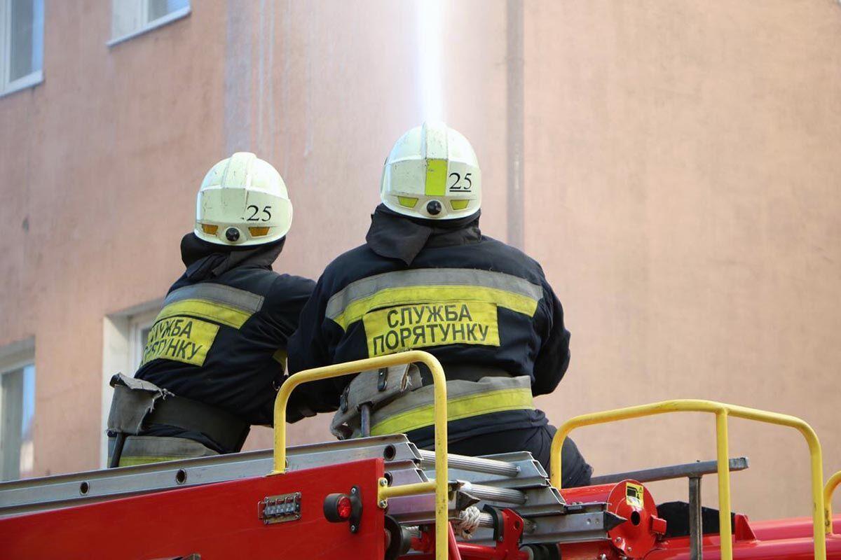 На місці працювали півсотні рятувальників