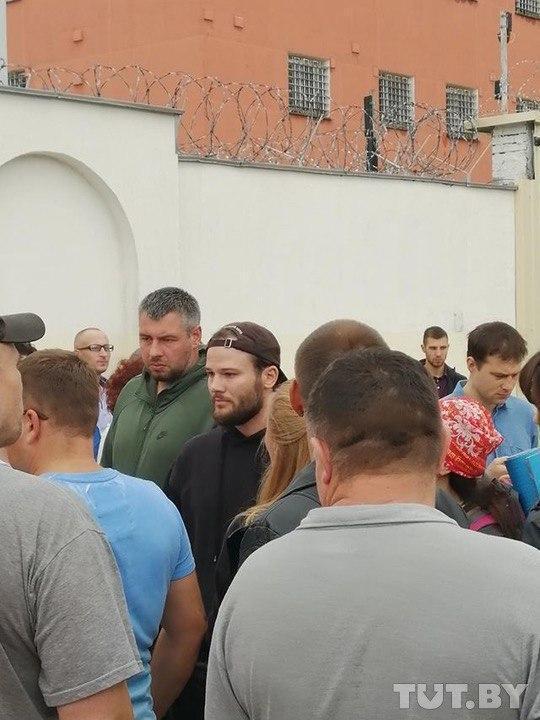 На митинг в Минске пришел Макс Корж.