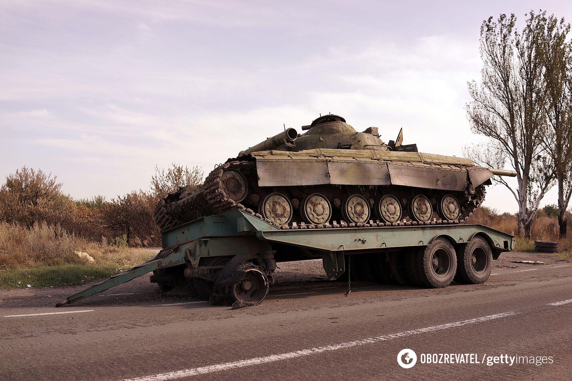 За офіційними даними, українська сторона під час боїв за Іловайськ втратила 125 одиниць техніки. Загинуло 366 бійців, поранено 429 людей, у полон потрапило 300 військовослужбовців