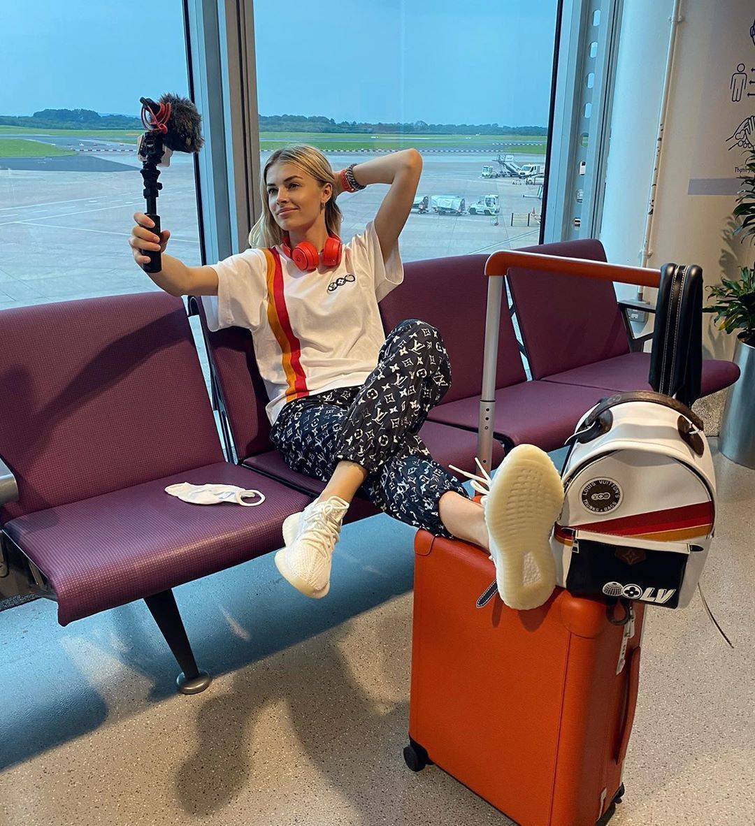 Влада Седан в аэропорту