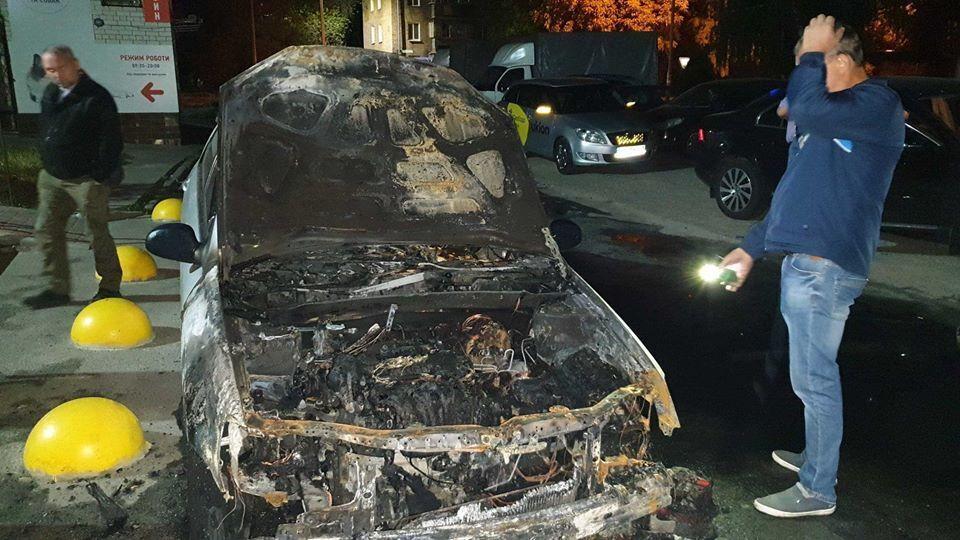 Журналисту сожгли авто под Киевом