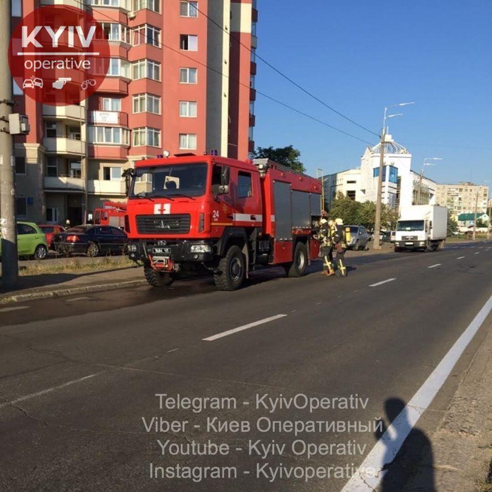 У Києві загорілась квартира в багатоповерхівці