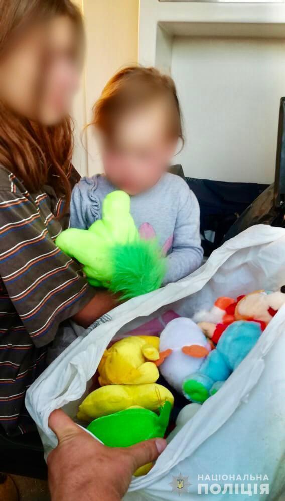 Девочку изъяли из семьи, ее маму привлекут к административной ответственности