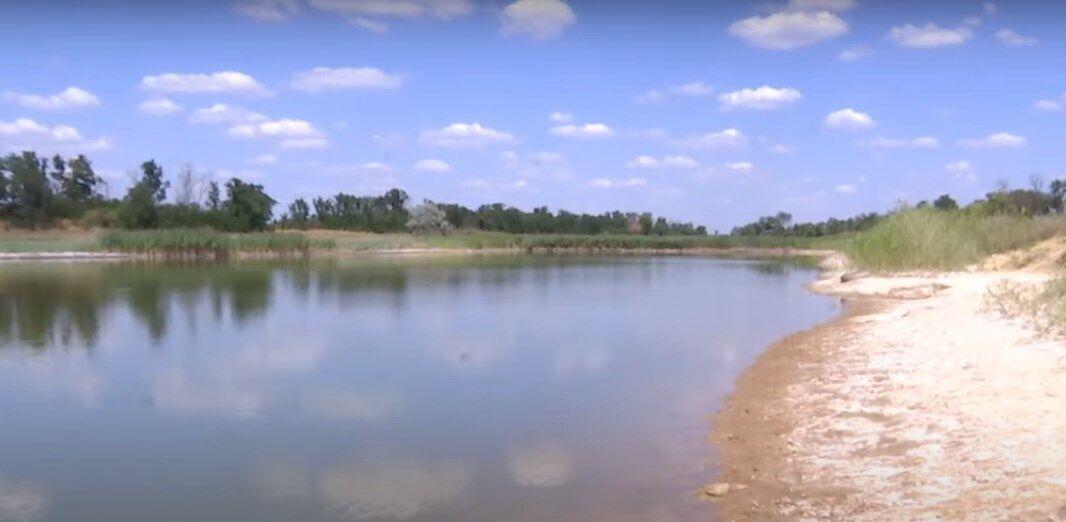 Дитина втопилася під час купання в озері.