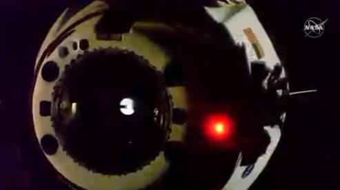 Crew Dragon Илона Маска возвращается на Землю