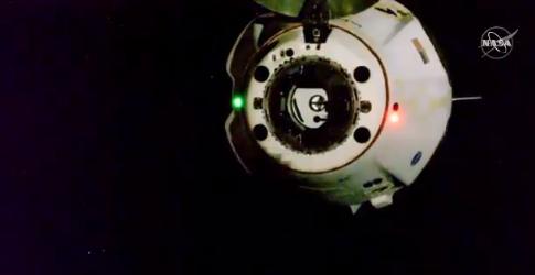 Crew Dragon возвращается на Землю